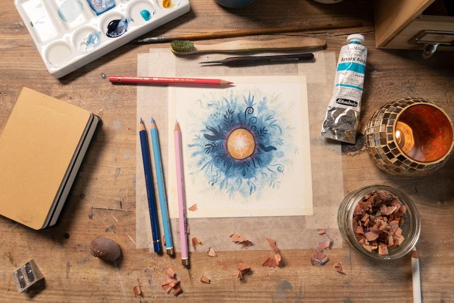 Mandala Malen mit Acrylfarbe und Buntstiften