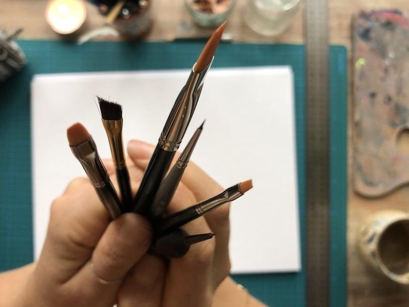 Welche Pinsel braucht man für Acrylfarben?